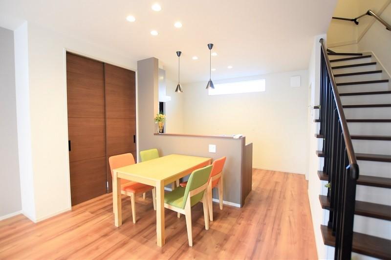 熊本市東区戸島3丁目 新築一戸建て 2号地モデルハウス・ダイニングには収納も完備