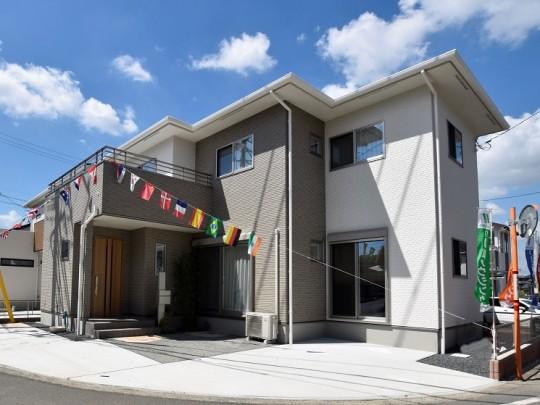 熊本市北区楡木 新築一戸建て トレスレージ楡木小学校前Ⅱ2号地モデルハウス外観