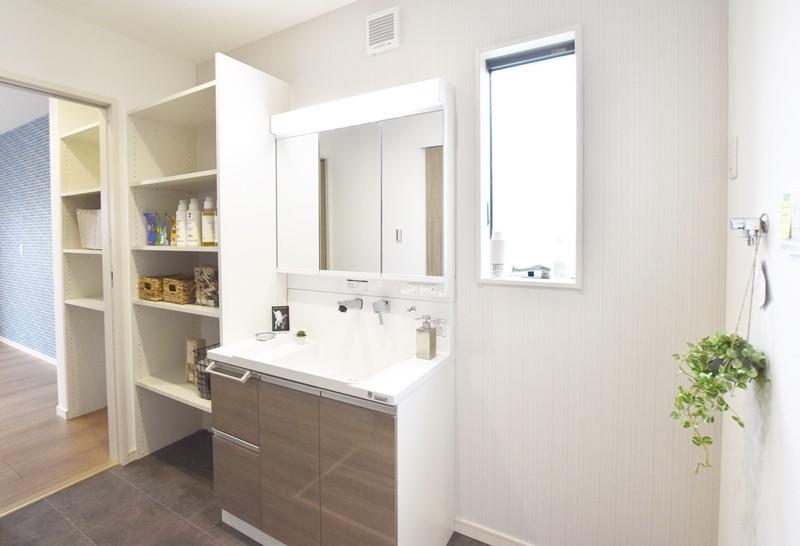 熊本市南区富合町志々水 新築一戸建て 4号地モデルハウス 洗面脱衣室