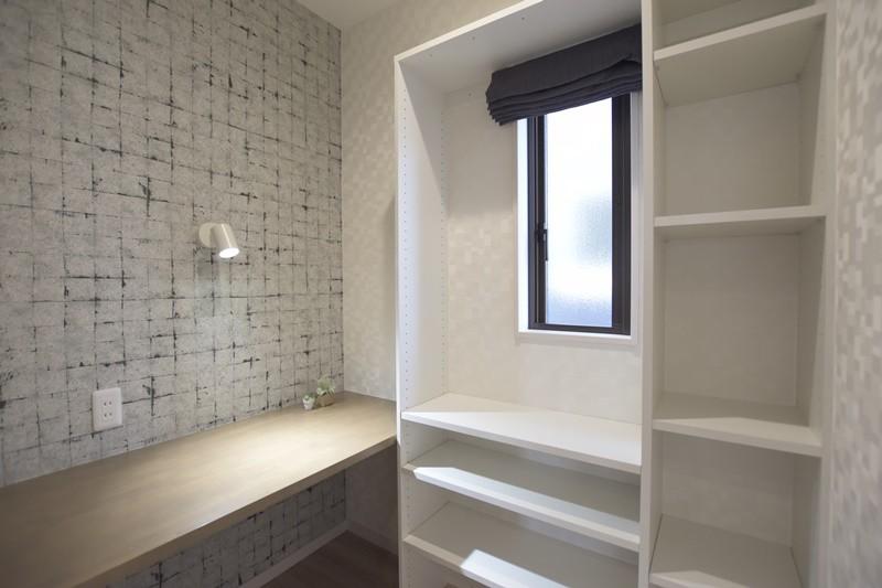 熊本市東区長嶺東5丁目 新築一戸建て 3号地モデルハウス・2階には仕事や趣味に集中できる書斎を完備