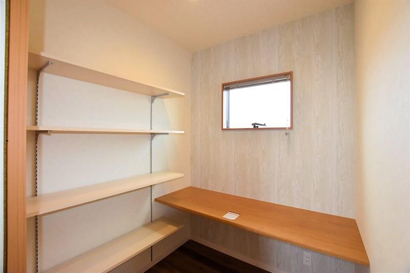熊本市北区 新築一戸建て トレスレージ楠小学校前 4号地モデルハウス・書斎