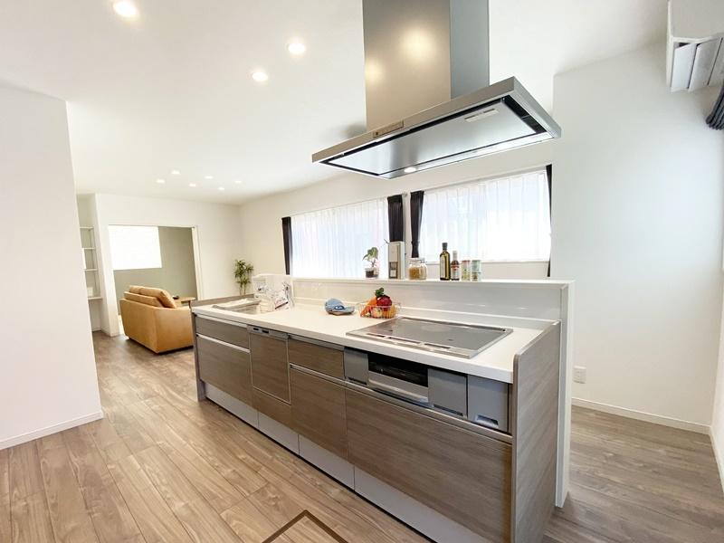 熊本市西区松尾1丁目 新築一戸建て 1号地モデルハウス キッチン