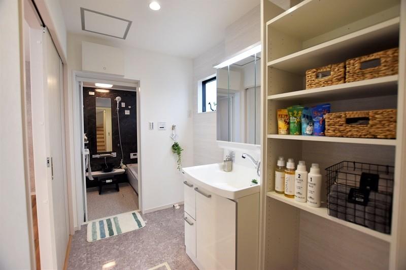 熊本市南区合志2丁目 新築一戸建て トレステージ力合小学校南5号地モデルハウス 洗面脱衣室