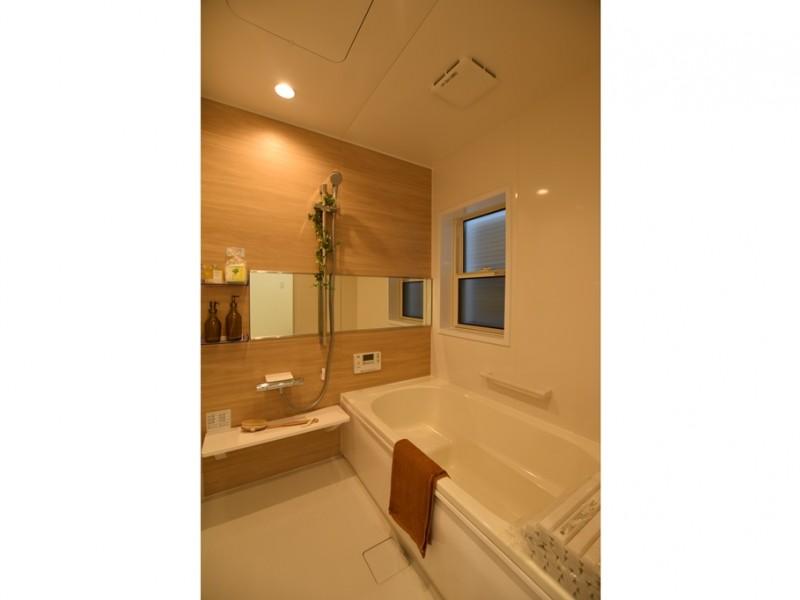 2号地 浴室は広々としており、ゆったりと過ごしていただけます!