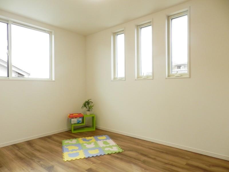 2号地洋室:各洋室とも6帖とゆとりのある広さ。