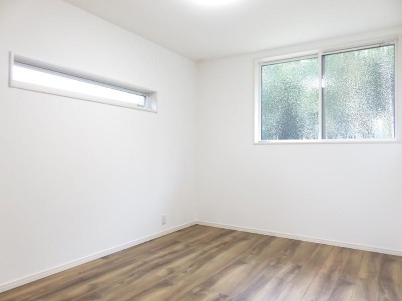 5号地洋室:各洋室にもクローゼットを設けました。