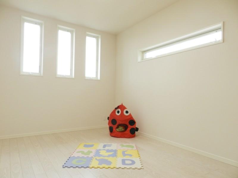 3号地洋室:各洋室とも6帖以上+クローゼット付きと、ゆとりの広さです。