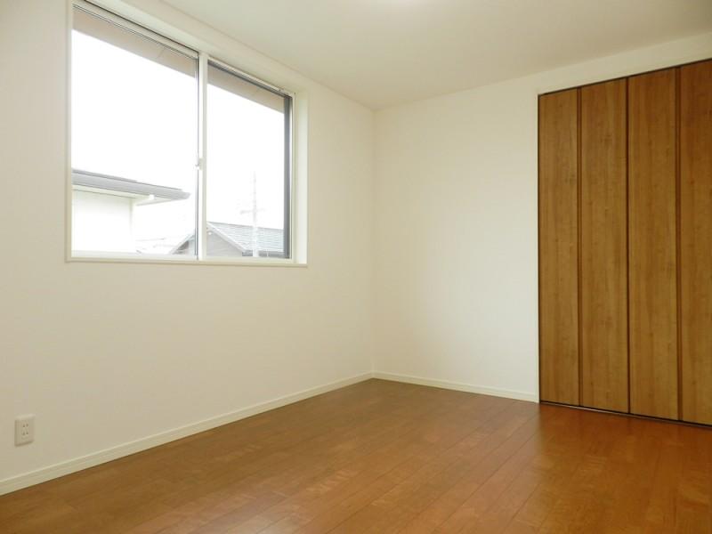 4号地洋室:各洋室は6帖+クローゼット付きとゆとりの広さ。