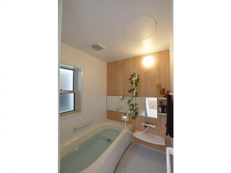 5号地:落ち着いた雰囲気の浴室