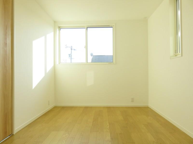 1号地洋室:各洋室にもクローゼットを設けました。