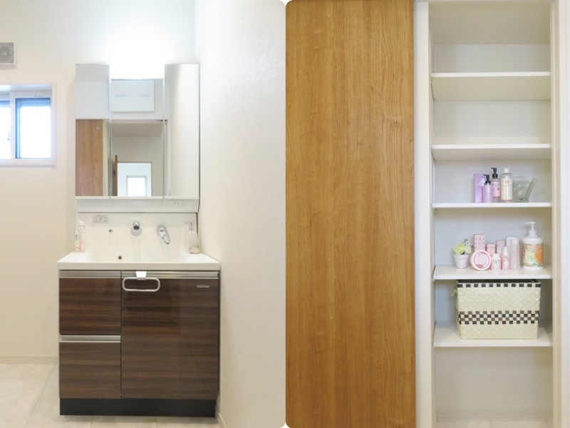 2号地洗面所:扉を閉めると、可動棚がみえてきます。タオルやランドリー用品等を収納しておくことが出来ます。