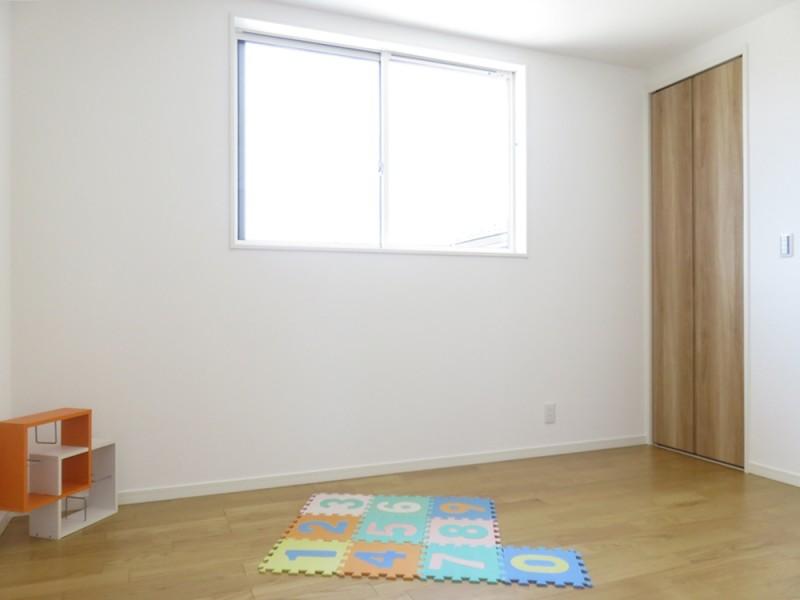 4号地洋室:各洋室とも6帖とゆとりのある広さ。