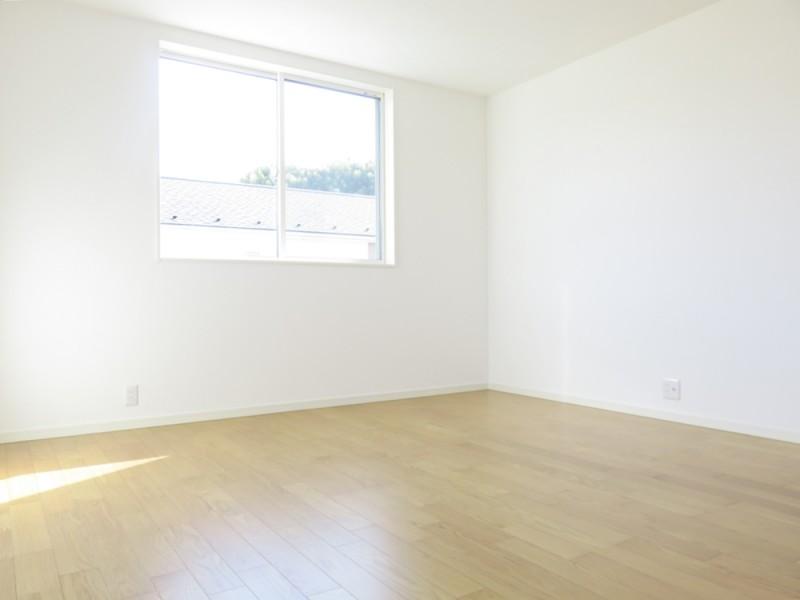 2号地主寝室:9.5畳の広々寝室!ベッドの置き場に困りません!