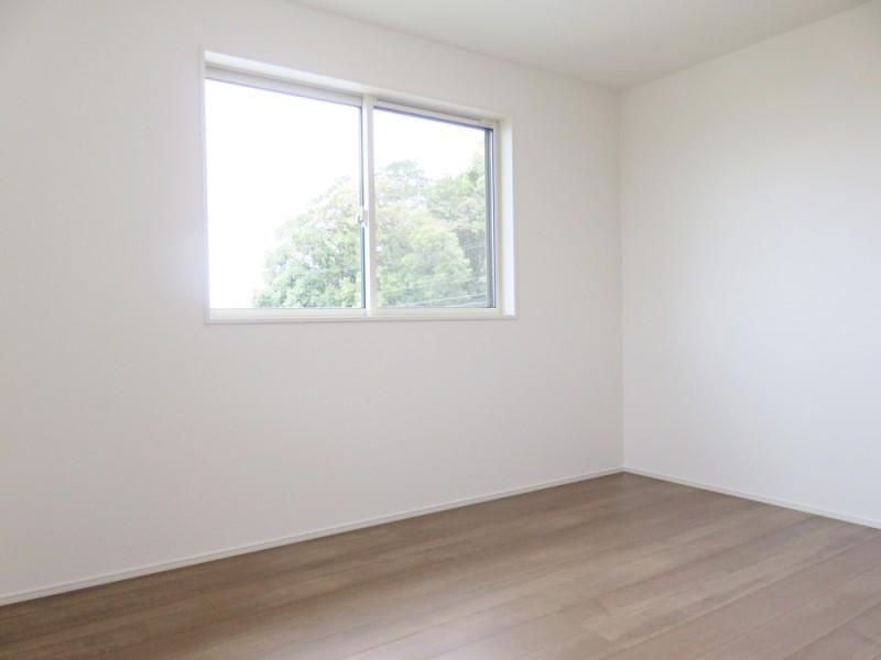 2号地洋室1:各洋室とも6帖とゆとりの広さ。