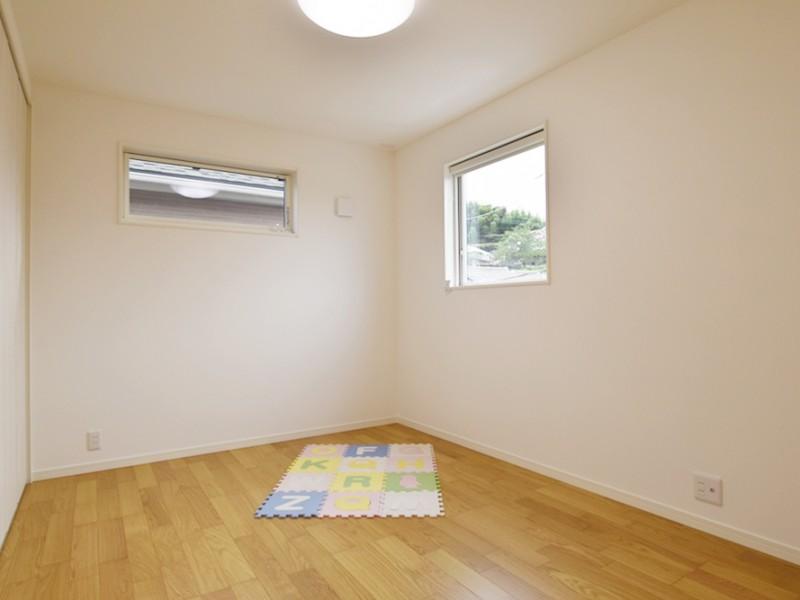 1号地洋室:お子様の部屋もばっちり完備♪