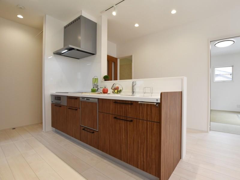 2号地キッチン オール電化×IHクッキングヒーターのキッチン。
