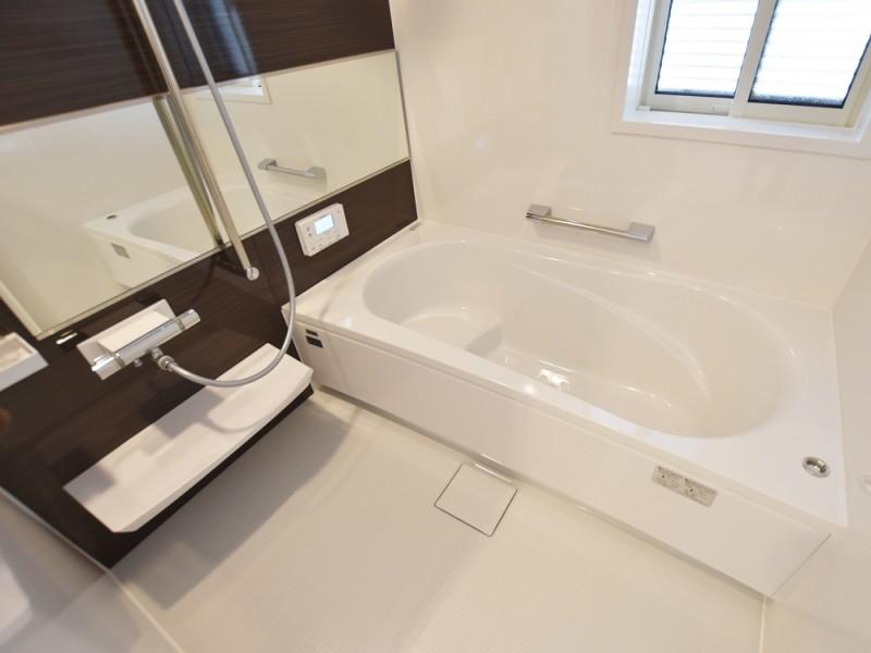 ①号地浴室 離れていても自動湯張りで遠隔操作でいつでもあったかいお風呂に!