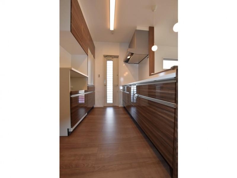 1号地 ゆとりある広さのキッチン