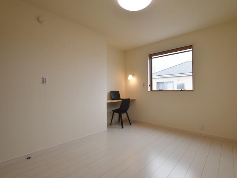 2号地 カウンターテーブル付き2階洋室B
