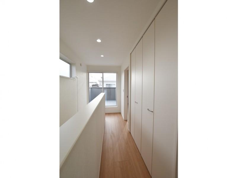 1号地 2階廊下にある大容量の収納