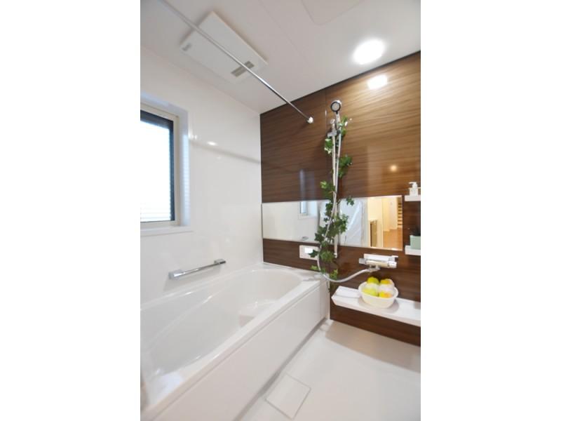 1号地 浴室暖房換気乾燥機が備え付けてあるので、雨の日のお洗濯も安心です。