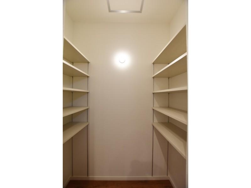 パントリーは可動式の棚があるためお好きな広さに変えられます