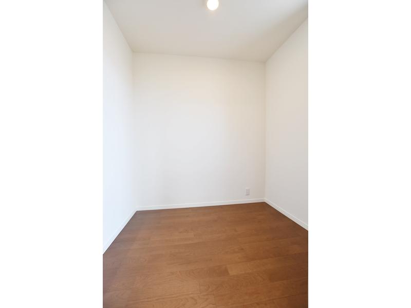 1号地ワークスペース:在宅勤務の方にオススメ!もちろん、収納スペースとしてもお使いいただけます。