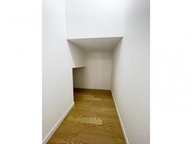 階段下を利用した収納細かいモノも収納可能です