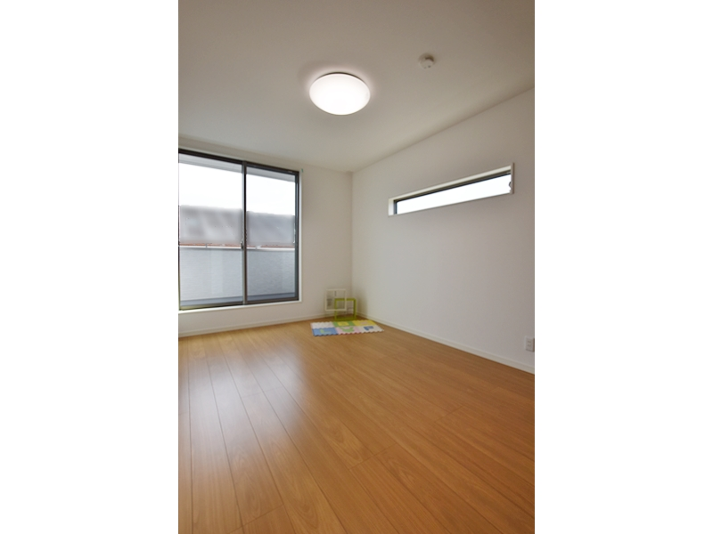 3号地洋室1:各洋室とも南向きで陽当たり良好♪6帖+クローゼット付とゆとりの広さ。